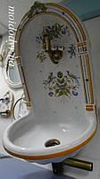 Антикварный керамический умывальник в стиле ренессанс