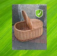 Плетеная корзина с крышкой из лозы. Кошик для пікніка