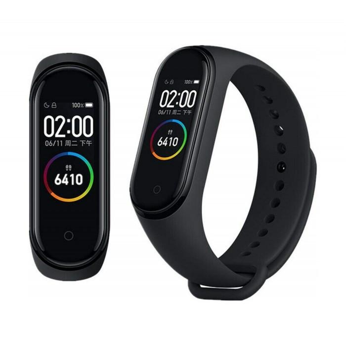 Фитнес-браслет с цветным дисплеем и диагональю 0.95 дюймов Xiaomi Mi Band 4 Black CN