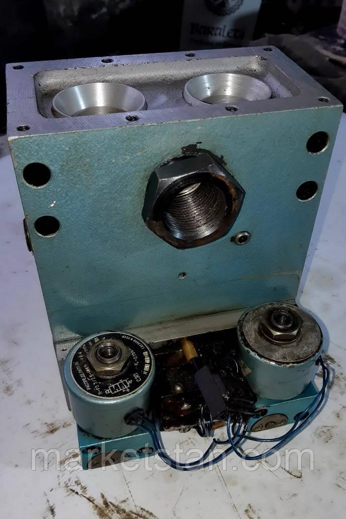 Пневмораспределитель У7124 (ЗМП-25М-11П) трехлинейный сдвоенный, фото 1