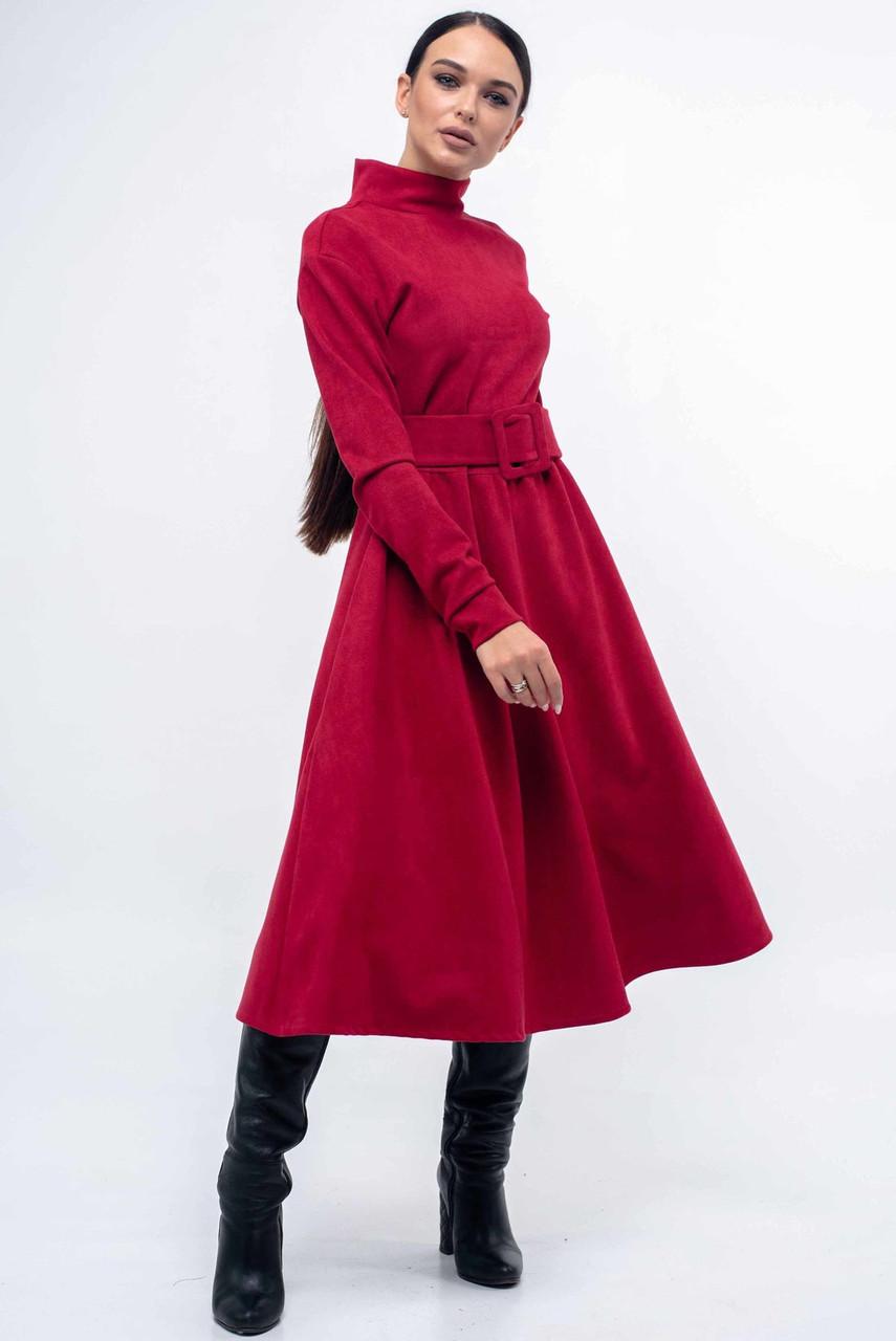 Модное теплое платье замшевое с поясом миди длины 42-52 размера малиновое, фото 1