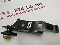 Запасные части для автомобилей ТЕСЛА. Кронштейн крепления ремня безопасности 2 го ряда сидений правый {MS_MSR} 1022115-00-B   1022115-00-B