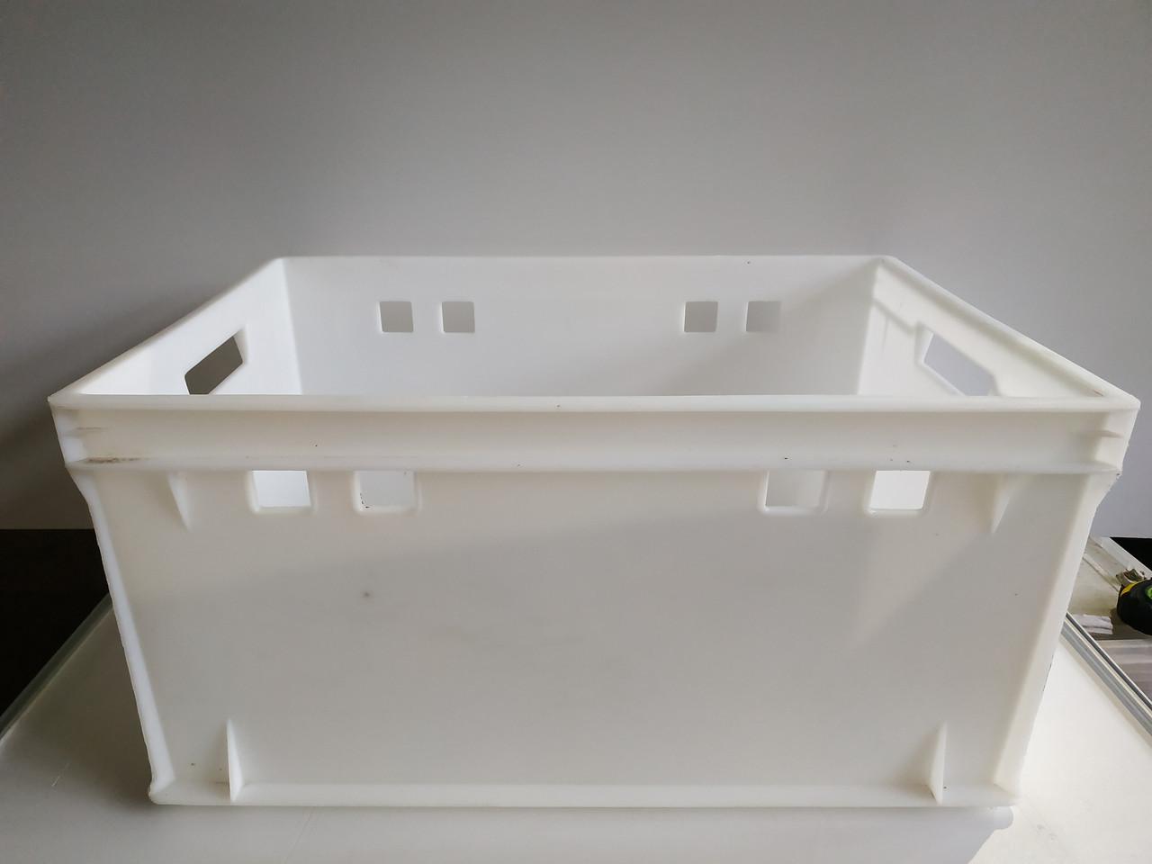 Пластиковый контейнер для продуктов Полимерцентр 600х400х300мм б/у