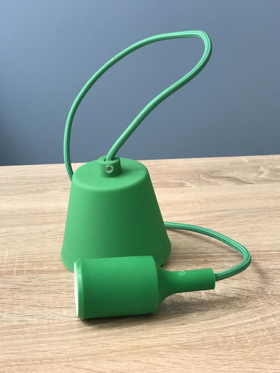 Підвісний зелений пластиковий світильник з цоколем під лампу E27 Lemanso LMA074
