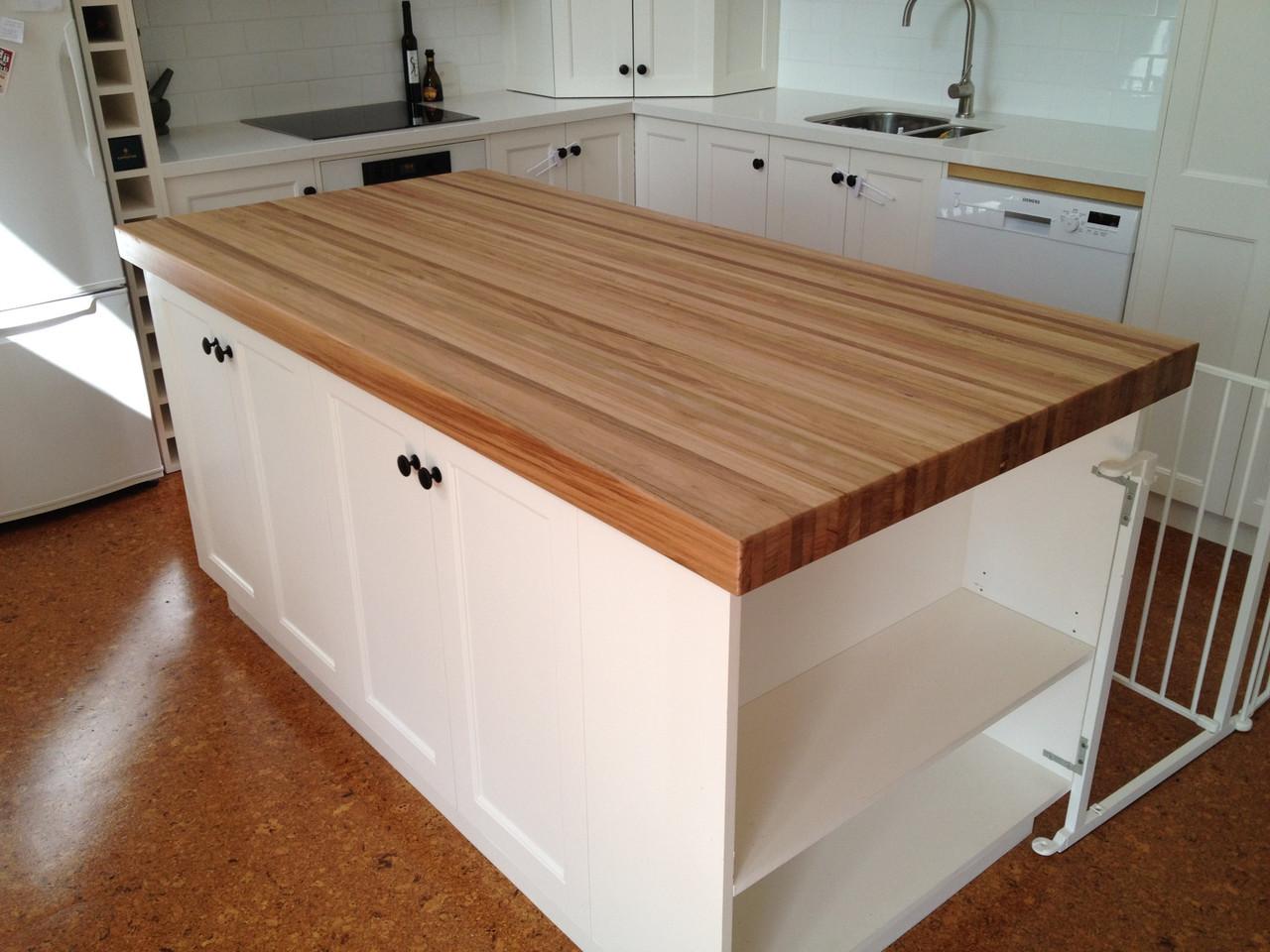 Столешница для кухни из натурального дерева