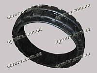 Шина безбандажная ЗМ-60 ИЖ-2162