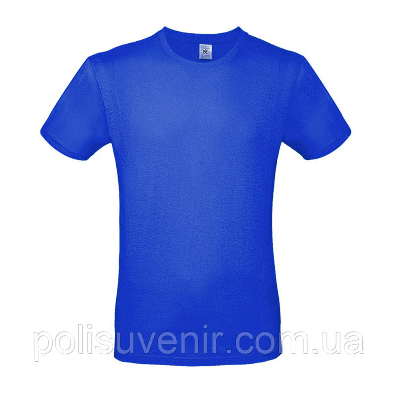 Класична чоловіча футболка з коротким рукавом
