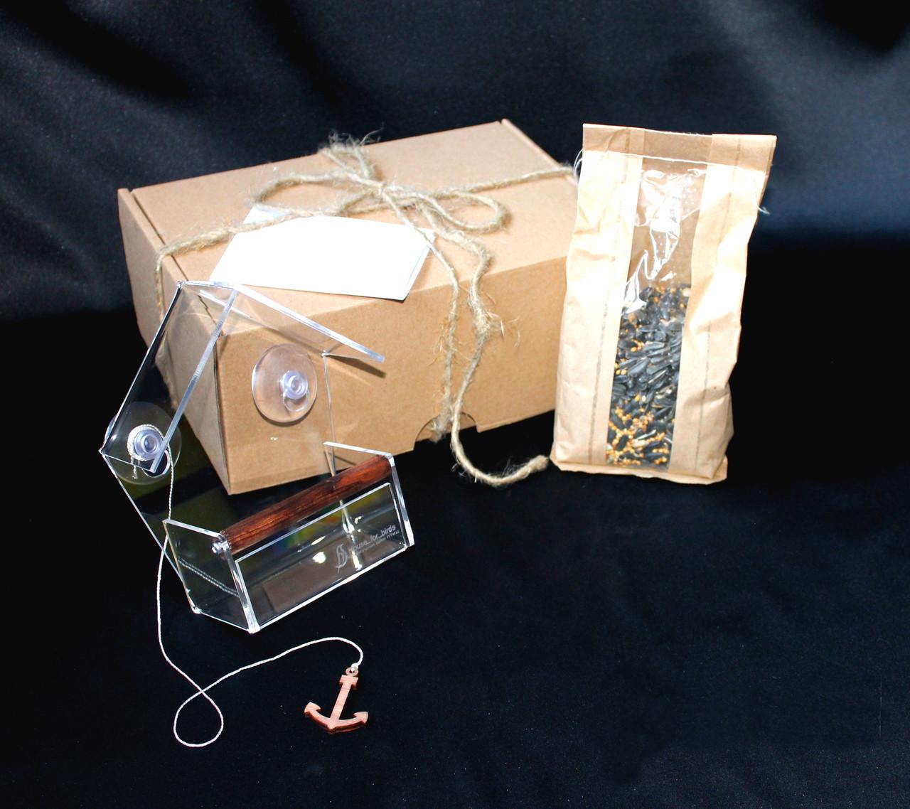 Набор кормушка для птиц на окно + семена для кормления птиц. Модель Теремок
