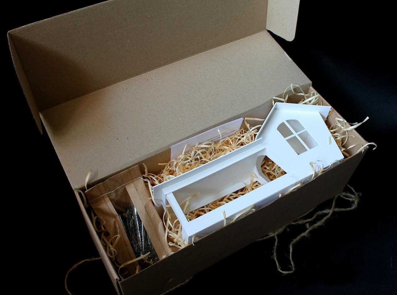 Набор кормушка для птиц на окно + семена для кормления птиц. Модель Белая