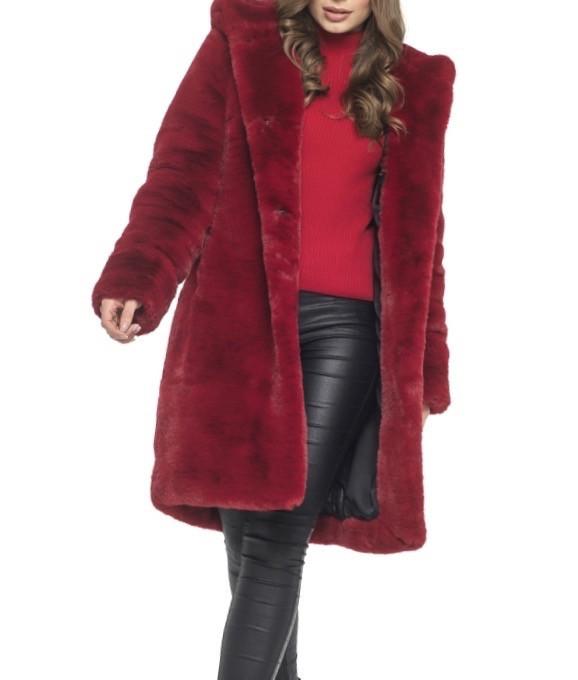 Красная шуба из искусственного меха на зиму