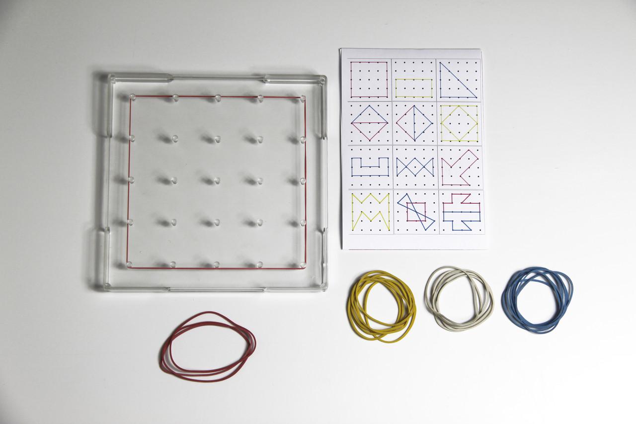 Математичний планшет односторонній прозорий, 15x15см, пластик
