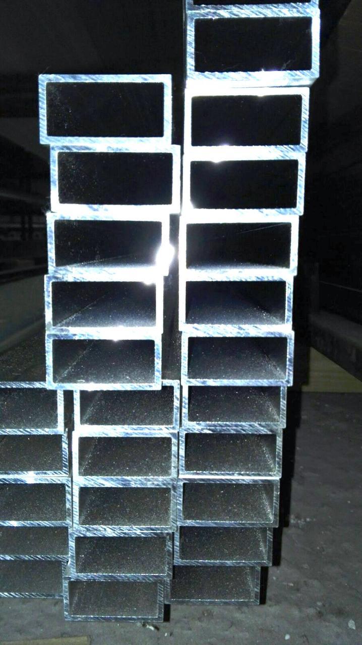 Труба алюминиевая прямоугольная 80х20х2