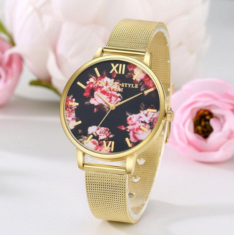 Наручний годинник з квітами