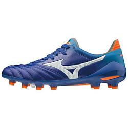 — Футбольные бутсы —