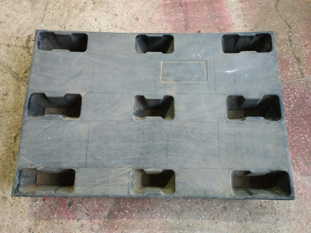 Полимерный поддон на ножках 1200х800х130 мм б/у