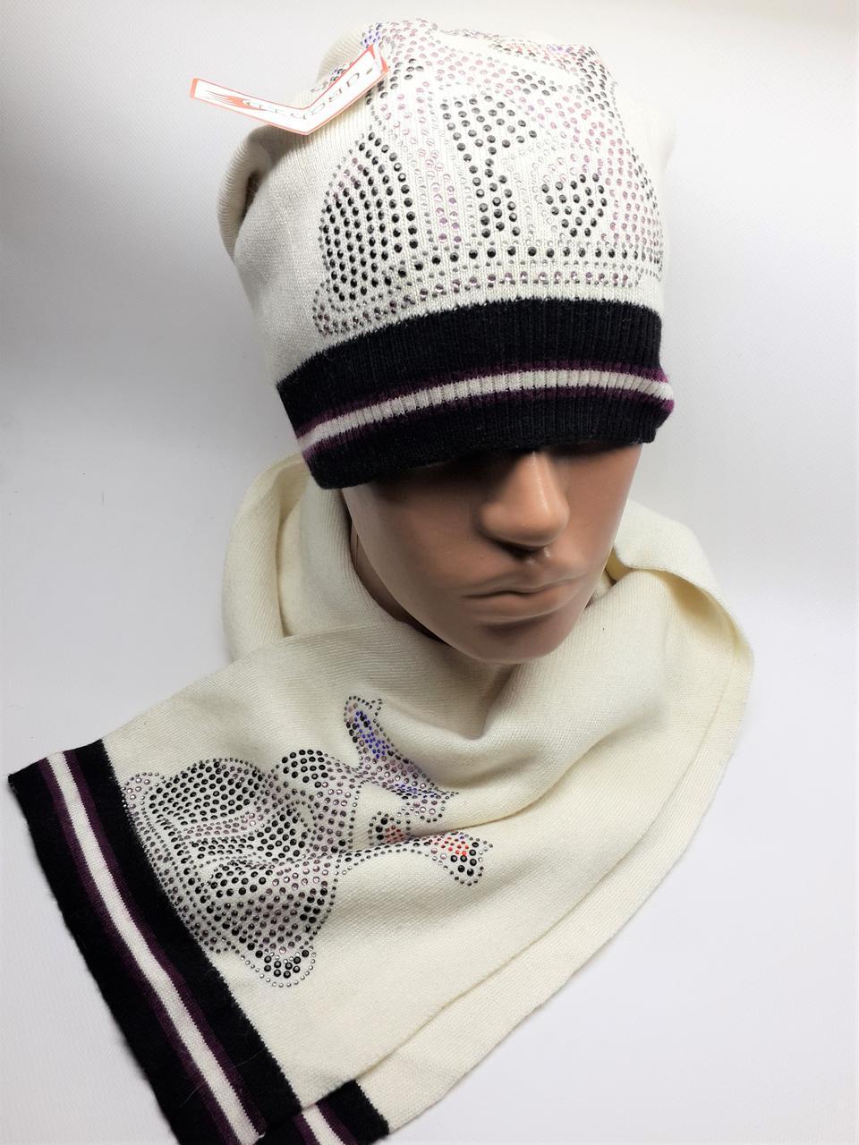 Теплый комплект с шарфом Кошки молочный