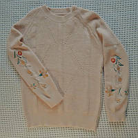 Вязаные женские свитера с вышивкой 46-48р
