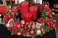 Декоративный венок Красная роскошь (в комплекте со свечами) BonaDi RM0-104