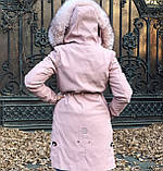 Розовая куртка парка с натуральным мехом арктической лисы на капюшоне, фото 9