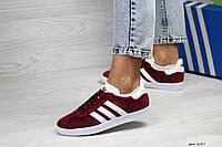 Женские кроссовки, кеды Adidas Gazelle, замша, красные с белым