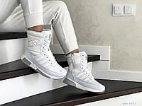 Женские зимние сапоги на меху Adidas, кожа, термоплащевка, пена, белые.
