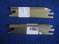 Планка распорная задних тормозных колодок правая Таврия Славута ЗАЗ 1102 1103 1105