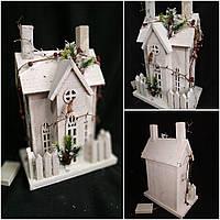 Деревянный домик с ЛЕД подсветкой, на батарейках, выс. 41 см., 890/790 (цена за 1 шт. + 100 гр.), фото 1