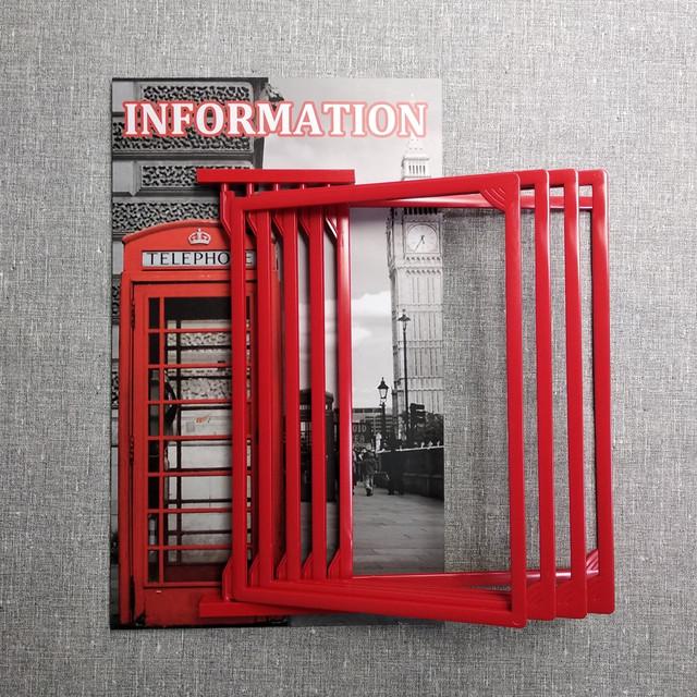 Стенд-книжка для кабінету англійської мови. З пластмасовими кишенями