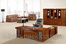 Стол руководителя с двумя тумбами и брифингом