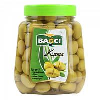 Оливки зеленые с косточкой надрезанные Bagci Kirma 700 г (Турция)