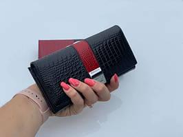 Женский лаковый кожаный кошелек на кнопке портмоне натуральная кожа лакированная черный