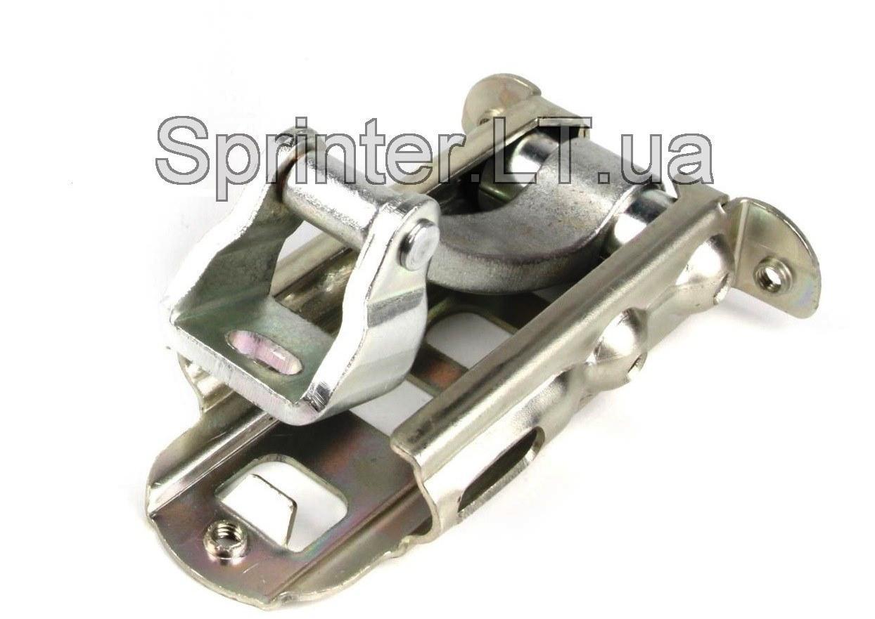 Ограничитель пер двери L=R MB Sprinter/VW Crafter 06-