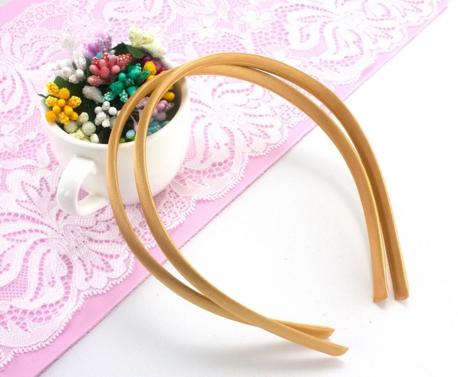 Обруч, ободок для волос обтянутый атласной тканью (9мм ширина) пластик Цвет - Золотистый