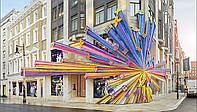 Bond Street более 300 лет, и в нем находятся десятки флагманских магазинов класса люкс.