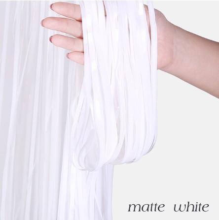 Дождик для фотозоны, белый, матовый - (длина 2,45 метра, ширина 92см)
