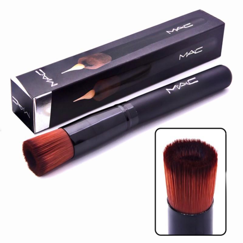 Кисть MAC для макияжа