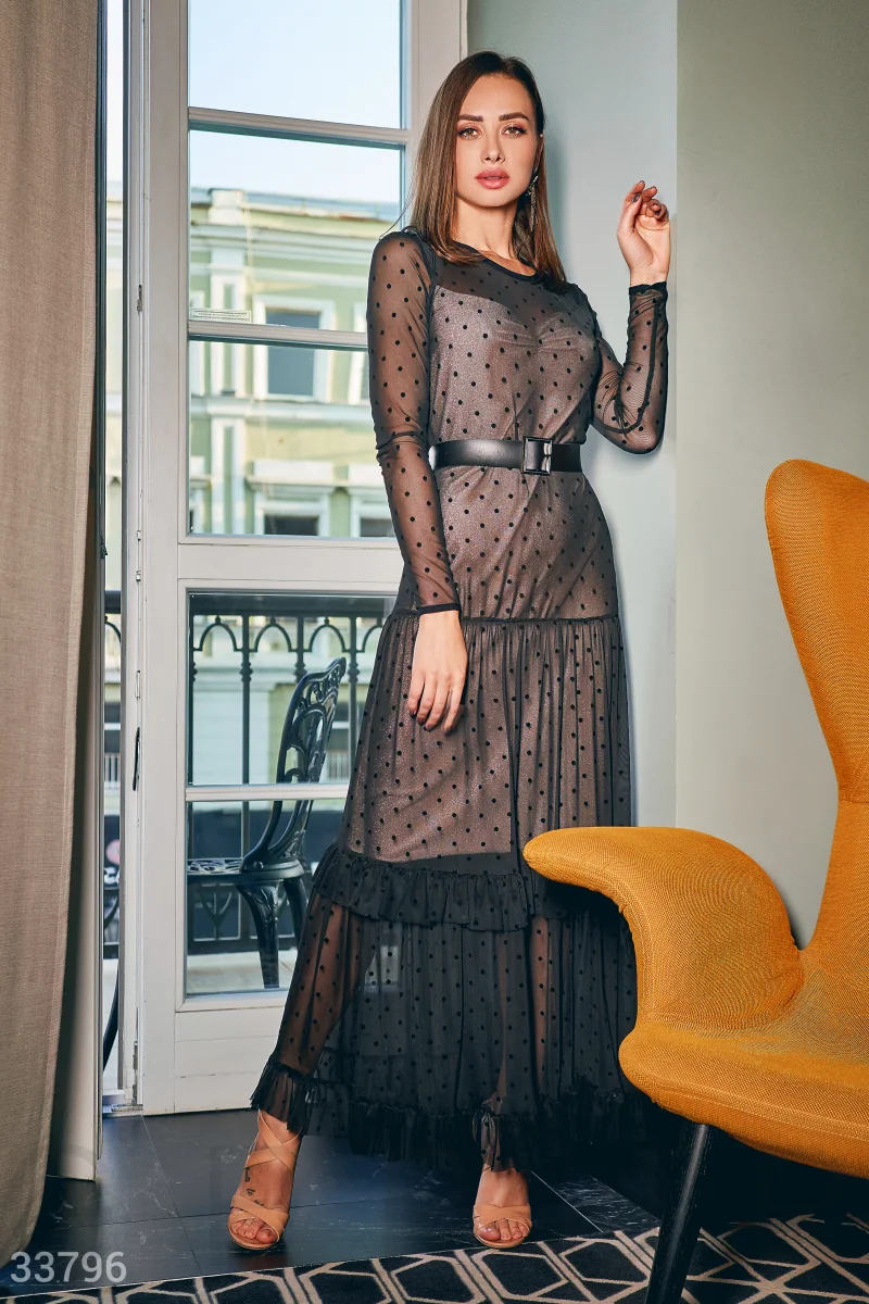 Новогоднее стильное платье макси по фигуре черного цвета