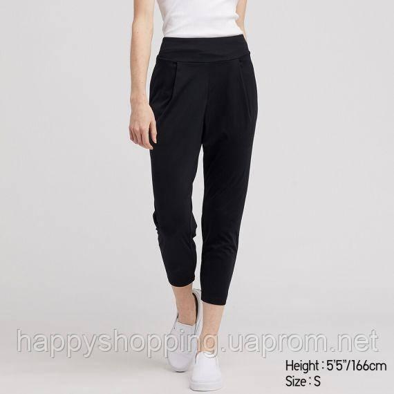 Женские черные спортивные укороченные штаны AIRism Uniqlo (Размер - XS)