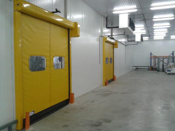 Скоростные ПВХ ворота DoorHan для пищевой промышленности серии SpeedRoll SDF