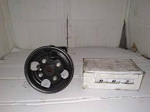 №7 Б/у насос гидроусилителя руля для Renault Laguna 1993-2000 9618394580