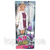 Лялька Ася Міський стиль Блондинка з аксесуарами (35067)