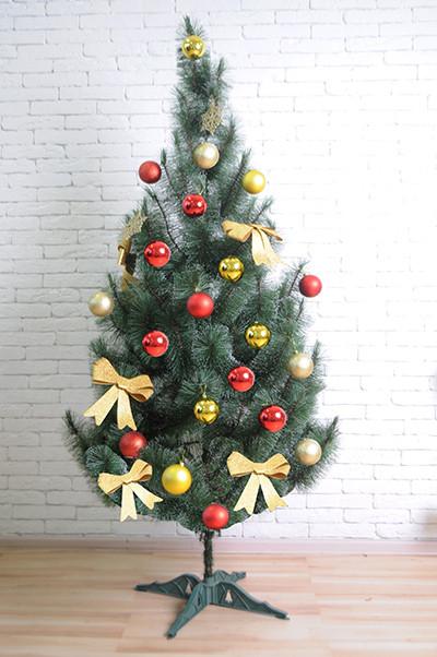Искуственная сосна Tree Joy 1.2 метра «Заснеженная» с удобной сборкой и подставкой