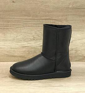 Женские черные кожаные угги UGG Classic II Short Black