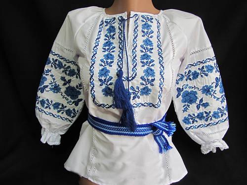Блуза детская вышитая крестиком