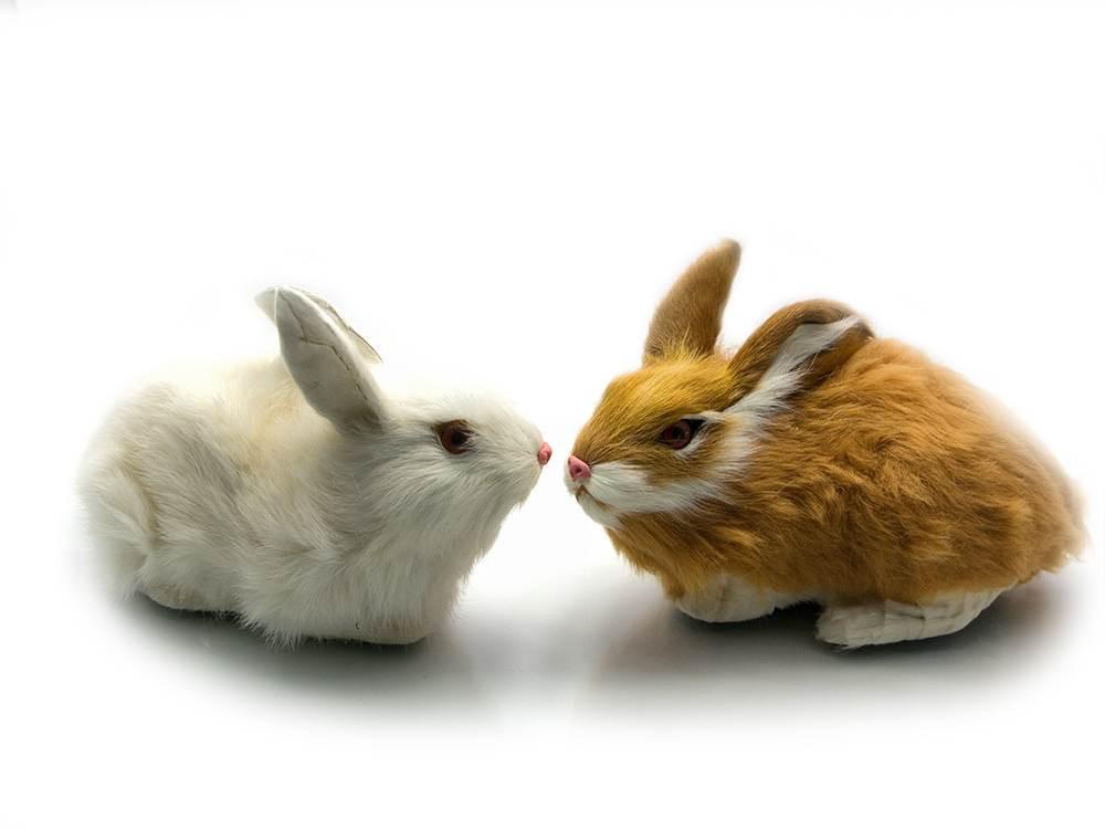 Кролик (натуральный мех)(12х13х9 см)