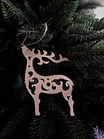 Деревянная игрушка на елку олень
