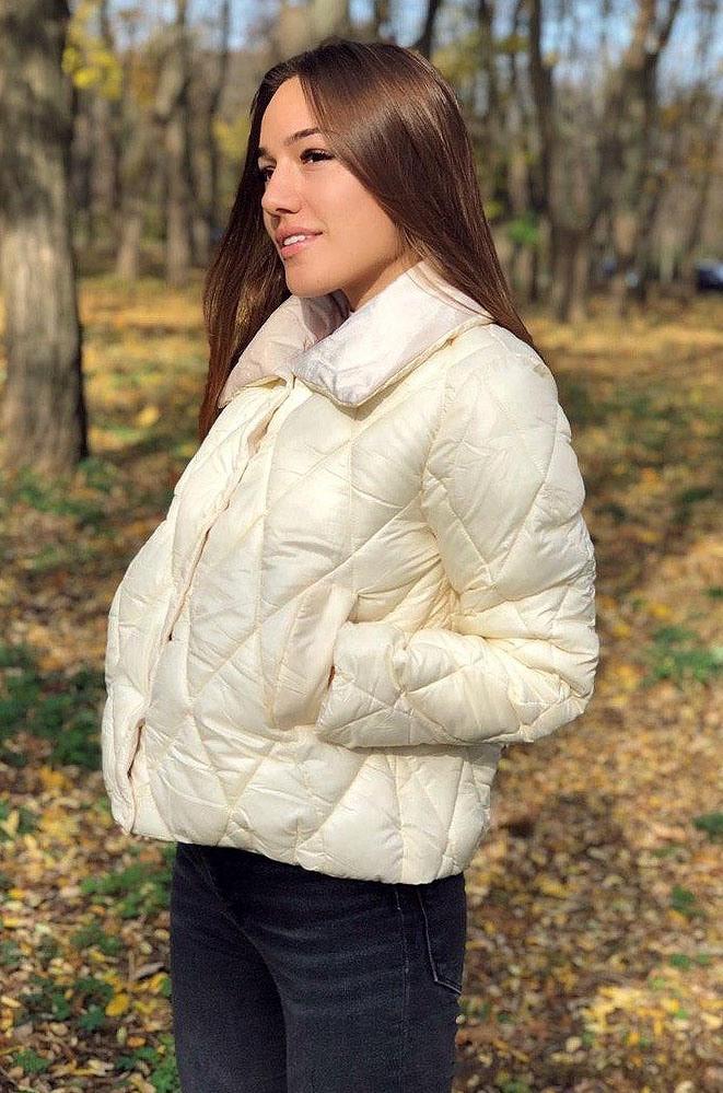 Женская куртка синтепон 8816 молочная