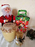 """Новорічний подарунок """"Веселих свят"""" з гречаним медом 550 мл"""