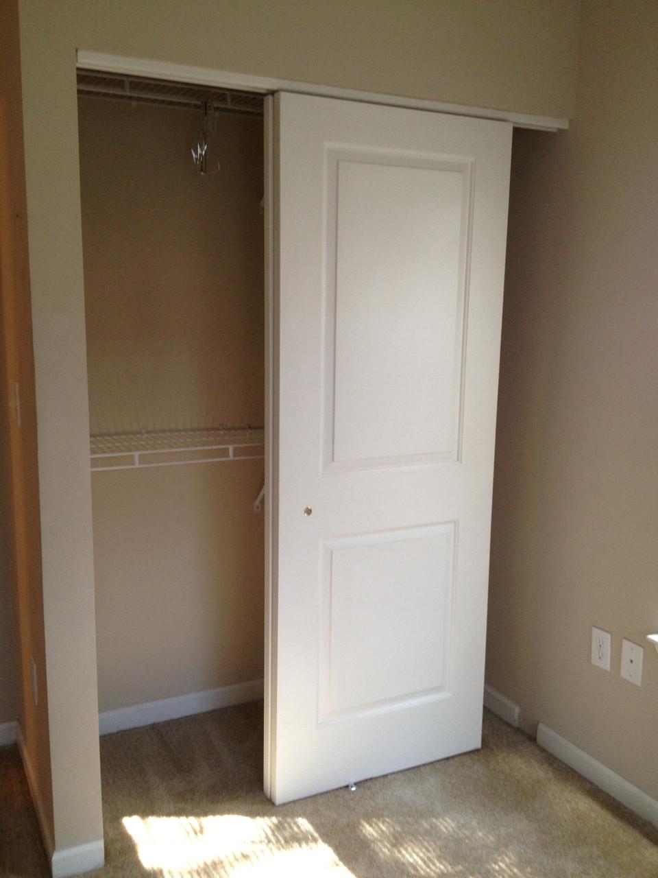 white_slliding_door_for_closet.jpg