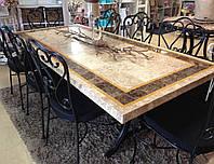 Обеденный стол с мраморной столешницей